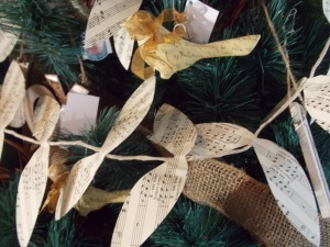Stop by Noon to 3:00 to grab your last minute Christmas decor.  Remember we have gift certificates too!
